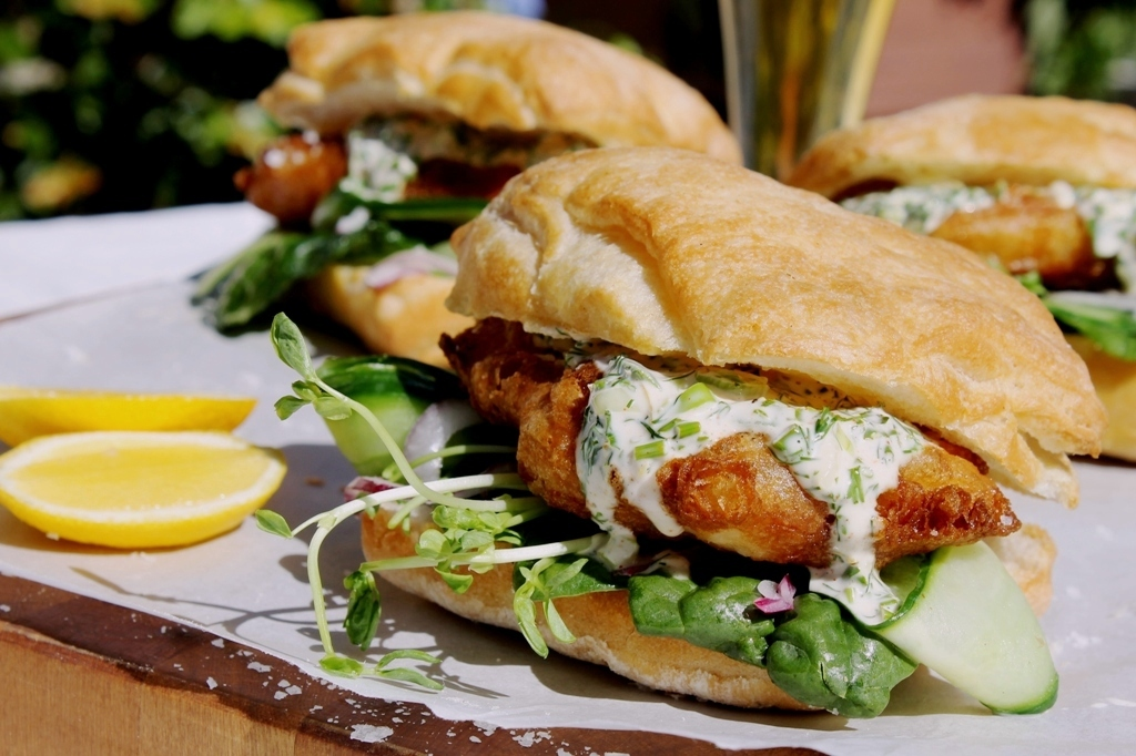 Beer battered fish burgers with garlic for Beer batter fish