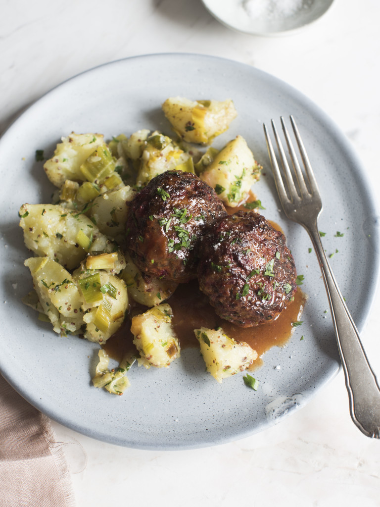 Chelseawinter sneaky rissoles with potato leek smash recipe from homemade happiness nzs bestselling cookbook of 2015 forumfinder Choice Image